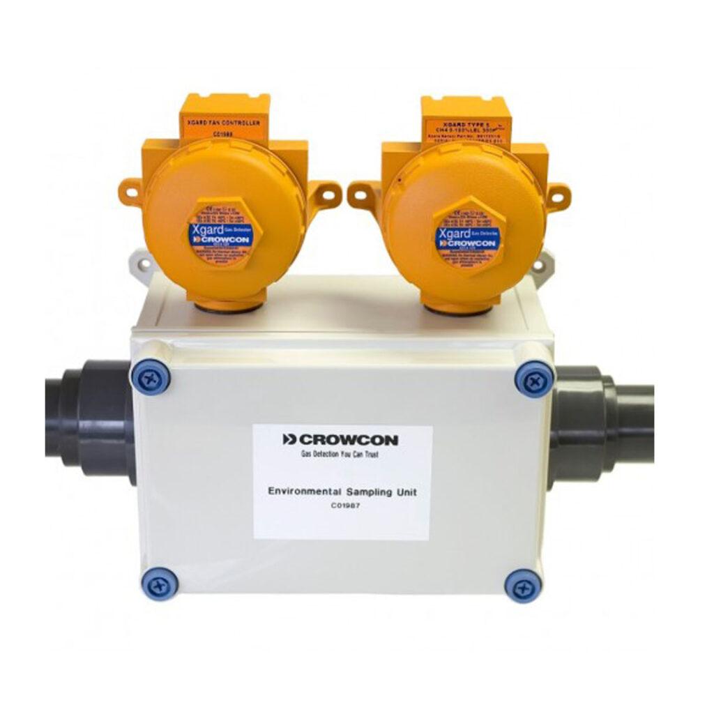 """Das ESU Gas-Ansaugsystem (Environmental Sampling Unit) wurde entwickelt um das Überwachen von Gasen wie Chlor, Schwefeldioxid, etc. zu vereinfachen, welche wegen ihrer hohen Dichte und der Absorption in vielen Materialien nur schwer mit konventionellen """"Punkt""""- Gas- detektoren zu detektieren sind."""